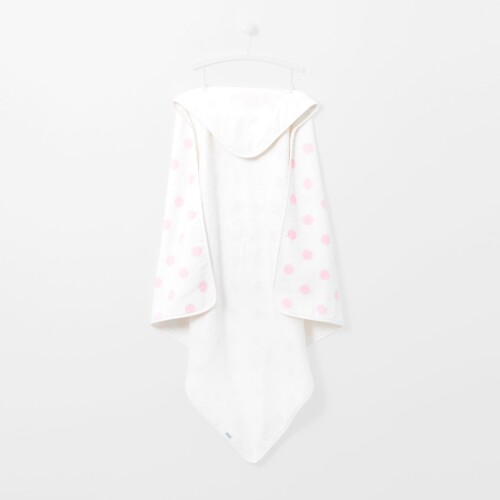 Polka dot hooded bath towel