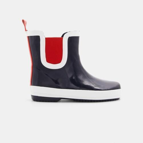 Boy rain boots