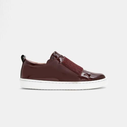 Girl comfort sneakers
