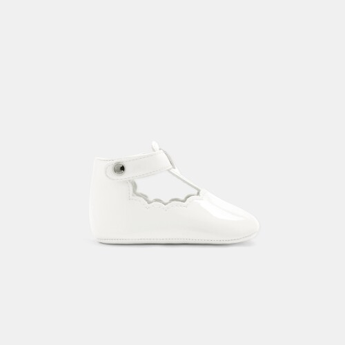 Baby girl T-strap shoes